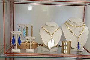 Hamptons Magazine Celebrates The London Jewelers Designer Jewelery Trunk Show In East Hampton